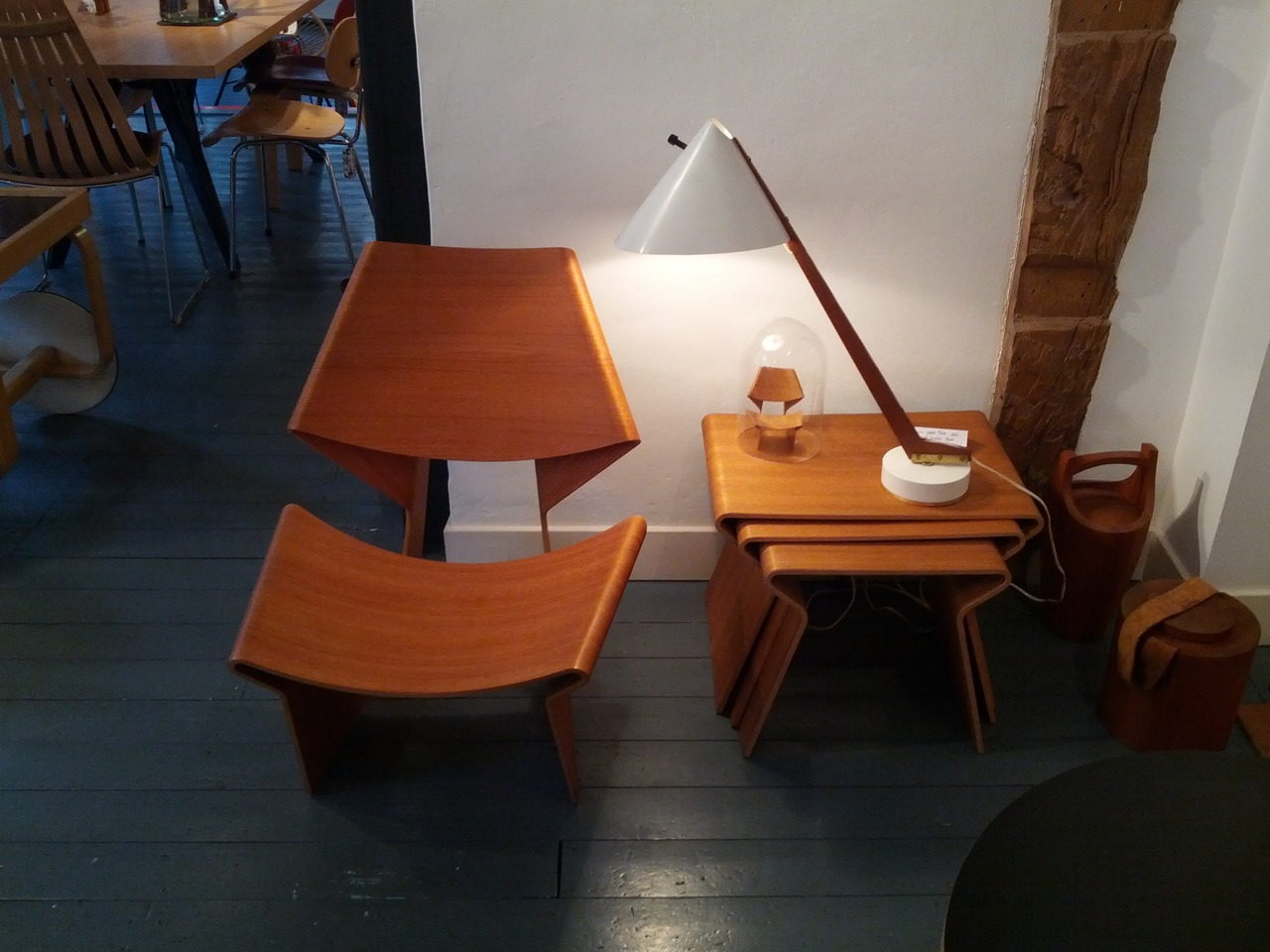 01_GreteJalk_Chair_and_Nesting_Tables