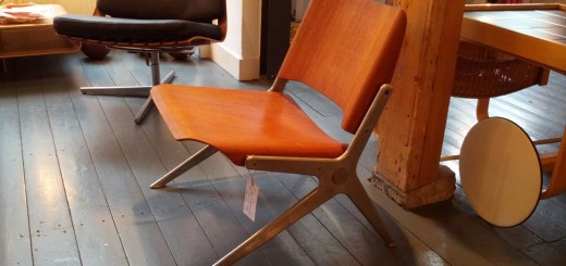 07_Chair